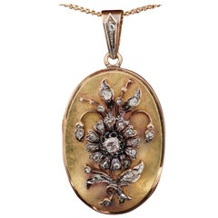 Rare Romantic Victorian 1.75 Carat Rose Cut Diamond 18 Karat Large Locket