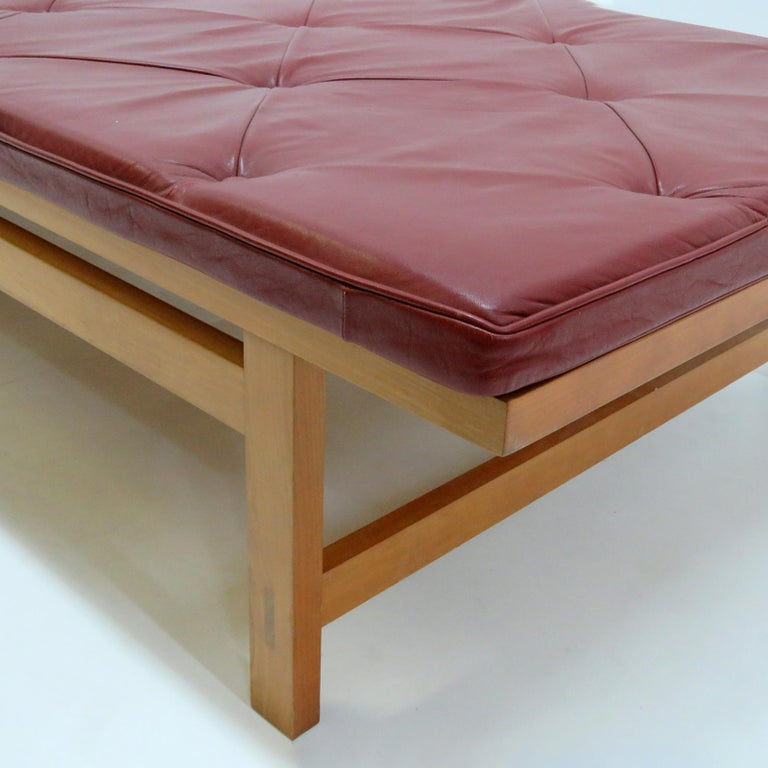 Rare Rud Thygesen and Johnny Sørensen 'Kings Series' Daybed In Good Condition For Sale In Los Angeles, CA