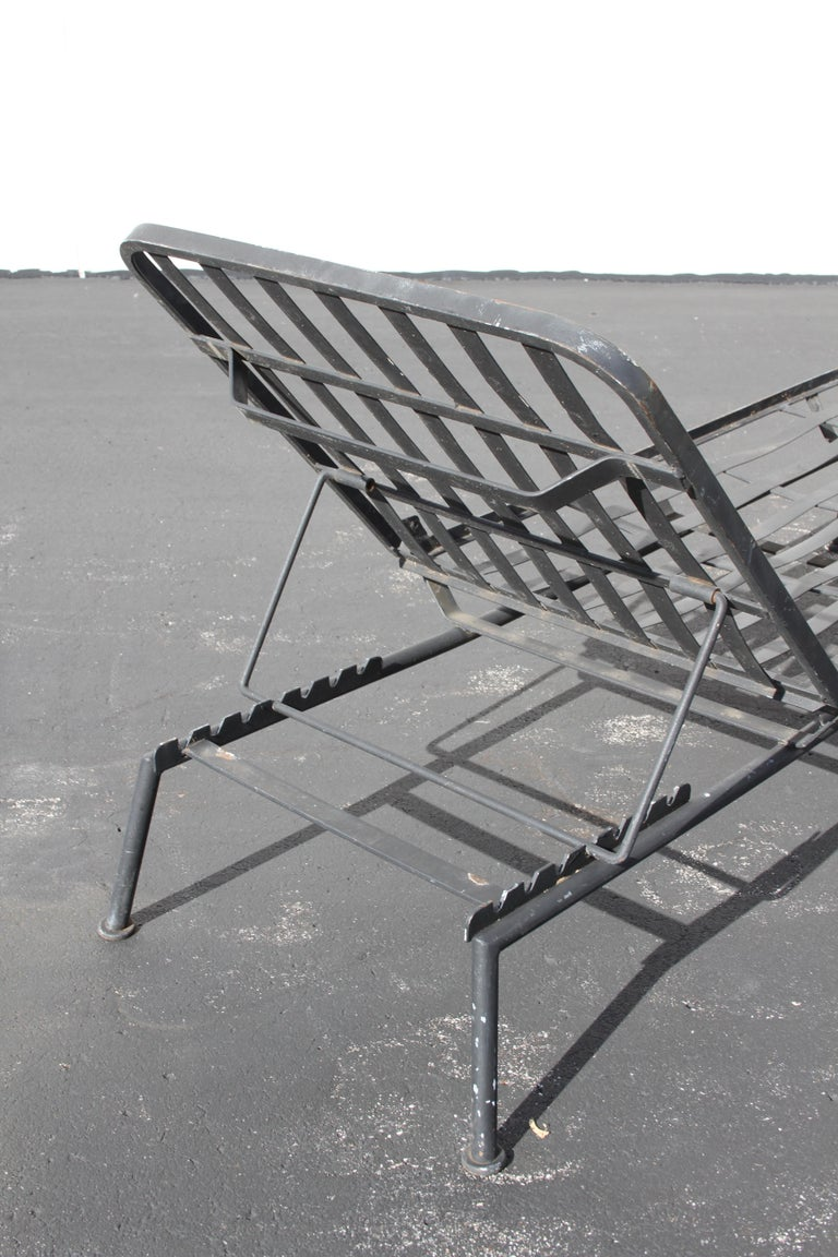 Rare Russell Woodard Wrought Iron Chaise Lounge or Daybed For Sale 3