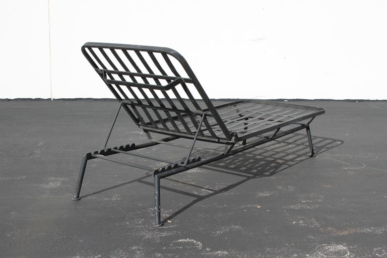 Rare Russell Woodard Wrought Iron Chaise Lounge or Daybed For Sale 7