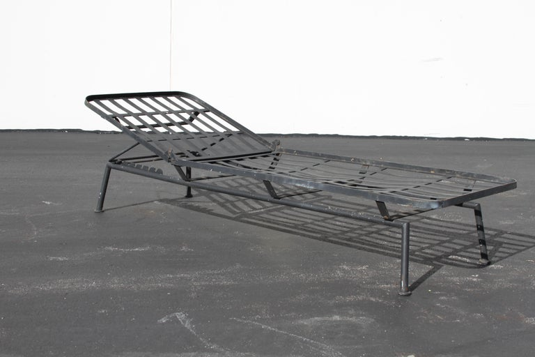 American Rare Russell Woodard Wrought Iron Chaise Lounge or Daybed For Sale