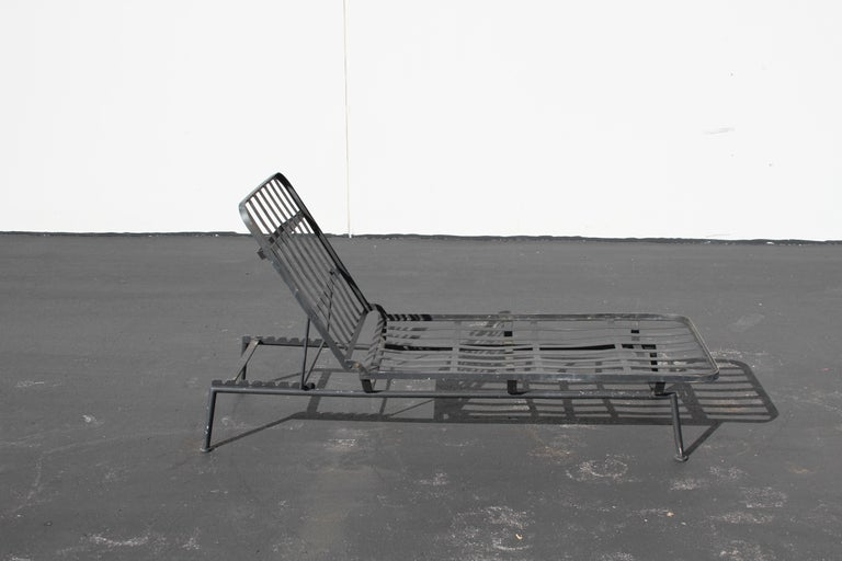 Rare Russell Woodard Wrought Iron Chaise Lounge or Daybed For Sale 1
