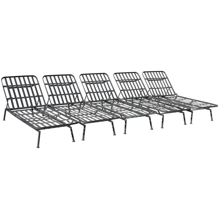 Rare Russell Woodard Wrought Iron Chaise Lounge or Daybed For Sale