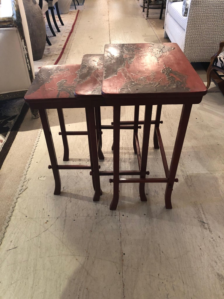 Rare Set of 19th Century Elegant Chinoiserie Tomato Red Nesting Tables For Sale 7