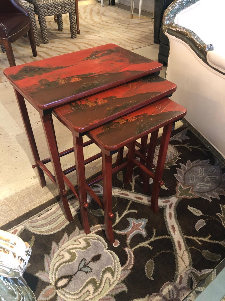 Chinese Rare Set of 19th Century Elegant Chinoiserie Tomato Red Nesting Tables For Sale