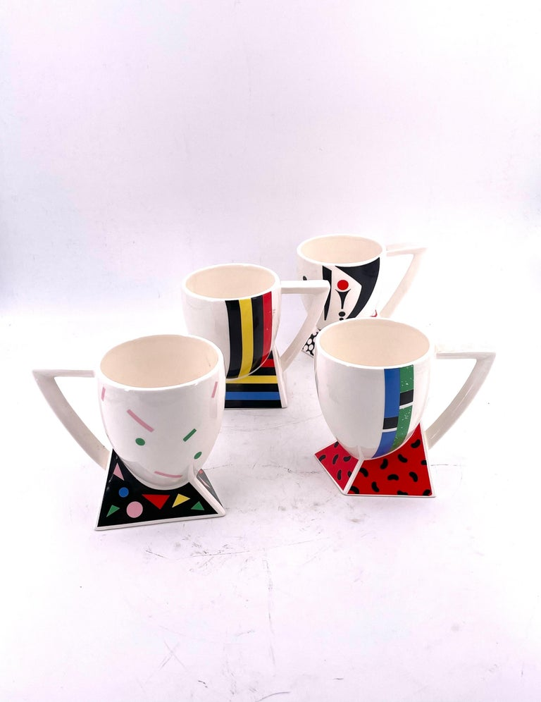 Rare Set of 4 Porcelain Cups Design by Kato Kogei Postmodern Memphis Japan In Excellent Condition For Sale In San Diego, CA