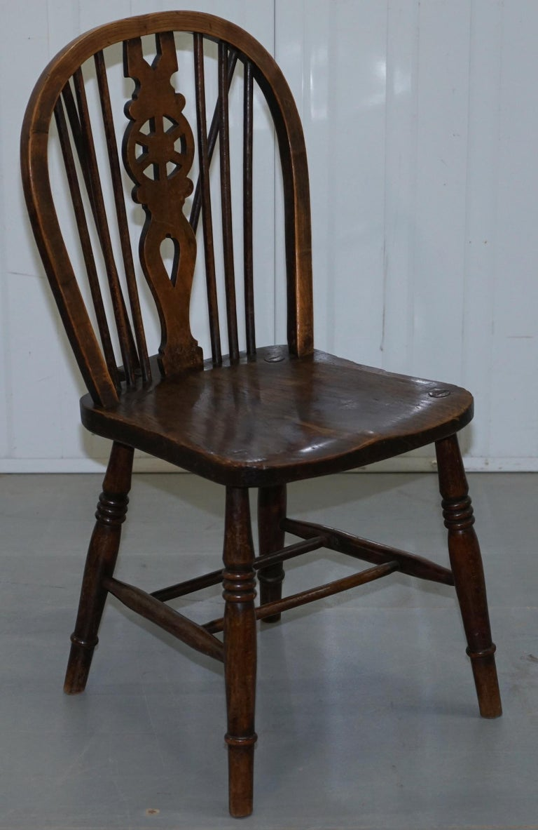 Rare Set of 6 Victorian 1840 Hoop Back Windsor Chairs High Wycombe, England For Sale 7