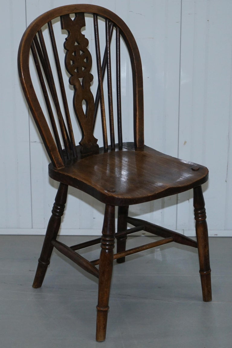 Rare Set of 6 Victorian 1840 Hoop Back Windsor Chairs High Wycombe, England For Sale 9