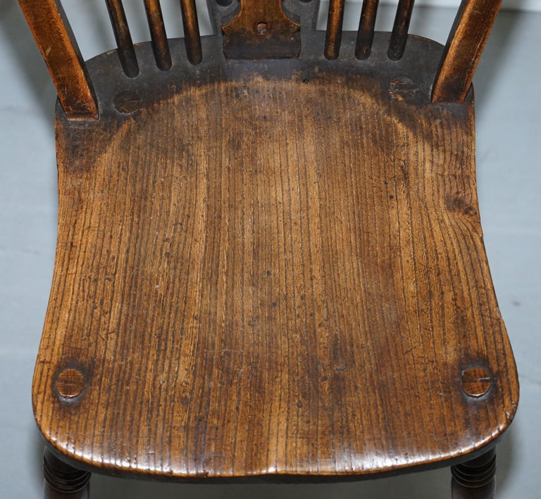 Rare Set of 6 Victorian 1840 Hoop Back Windsor Chairs High Wycombe, England For Sale 10