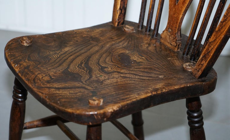 Hand-Crafted Rare Set of 6 Victorian 1840 Hoop Back Windsor Chairs High Wycombe, England For Sale