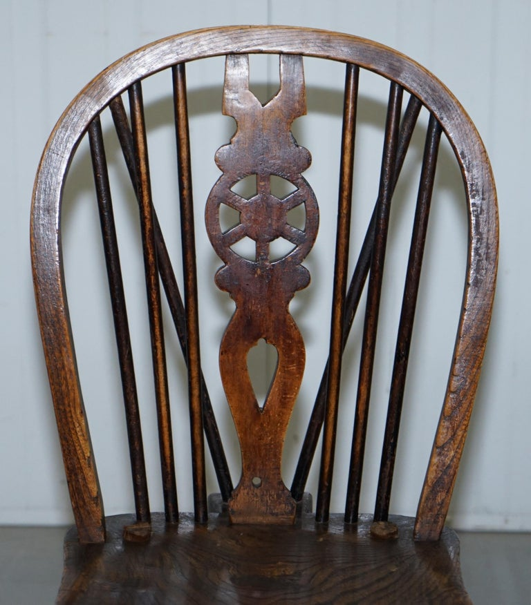 Elm Rare Set of 6 Victorian 1840 Hoop Back Windsor Chairs High Wycombe, England For Sale