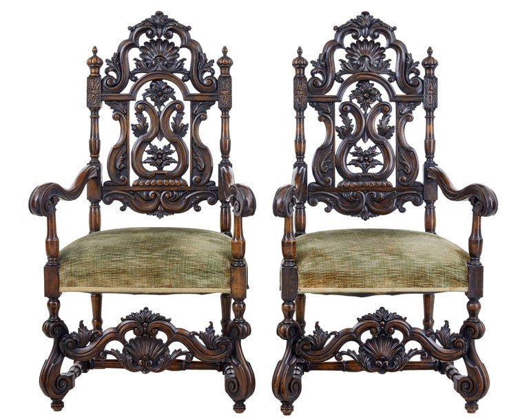 William and Mary Rare Set of Eight 19th Century Carved Walnut Carolean Design Dining Chairs For Sale