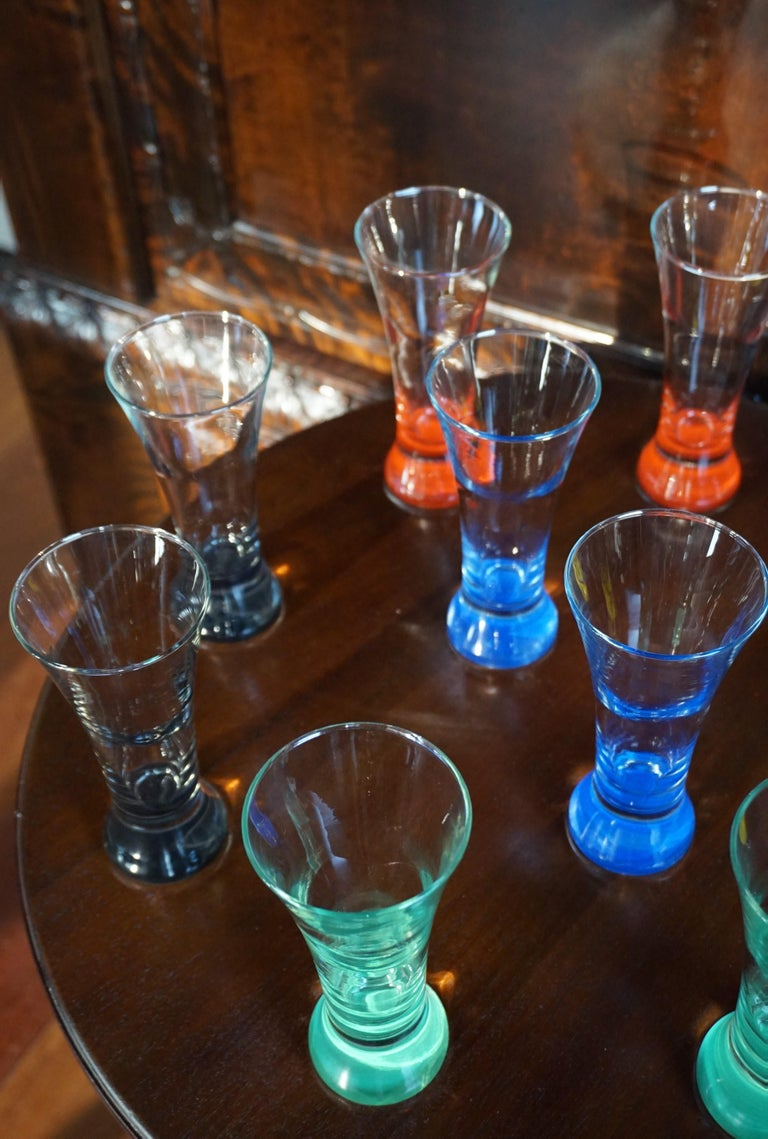 Rare colorful and Stylish Set of Midcentury Modern French Drinking Glasses  For Sale 5