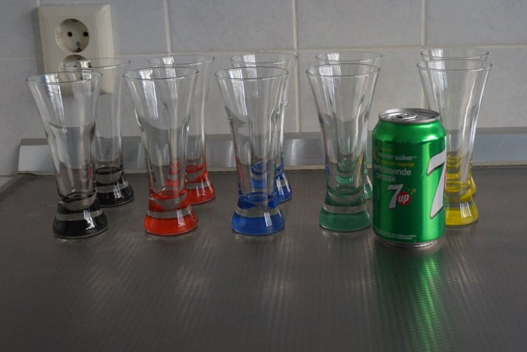 Rare colorful and Stylish Set of Midcentury Modern French Drinking Glasses  For Sale 8