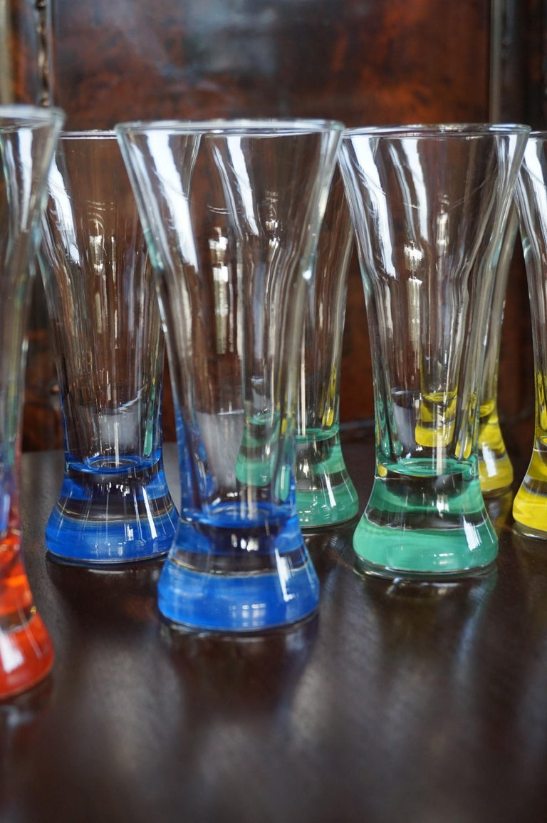 Rare colorful and Stylish Set of Midcentury Modern French Drinking Glasses  For Sale 2