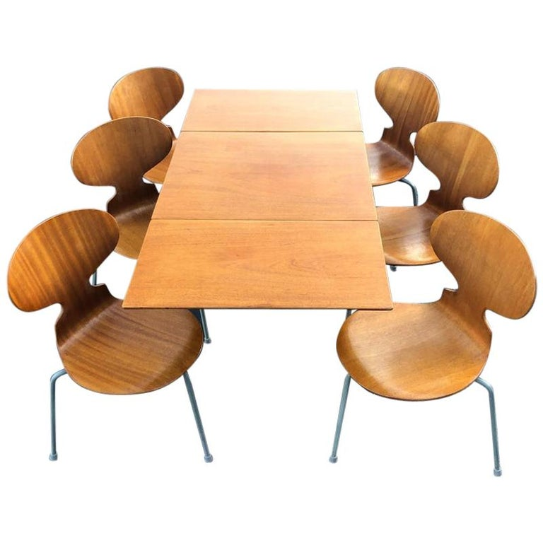 Rare Set of Six Arne Jacobsen Ant Chairs with Drop-Leaf Table For Sale