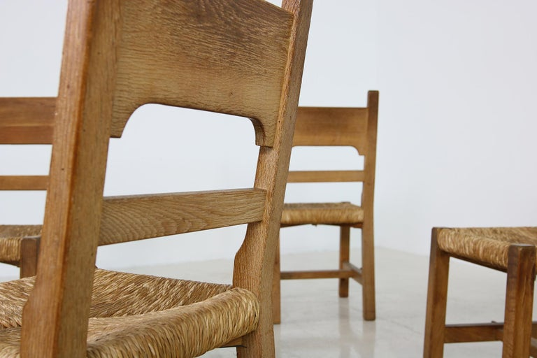 Rare Set of Six Mid Century Modern Vintage Solid Oak and Rush Chairs, Cane  For Sale 2