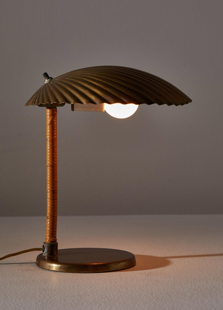 Mid-Century Modern Rare Simpukka Table Lamp by Paavo Tynell for Taito Oy For Sale