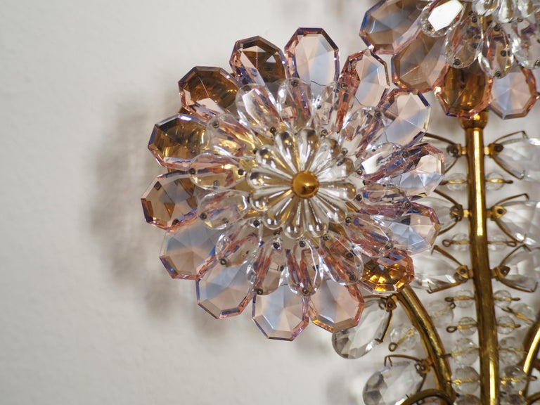 Mid-Century Modern Rare Single Amethyst Wall Sconce, Attributed to Lobmeyr, Bagues Style For Sale