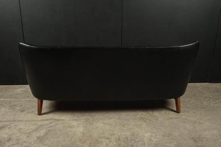 Rare Midcentury Leather Sofa Designed by Arne Vodder, Denmark, circa 1960 For Sale 3