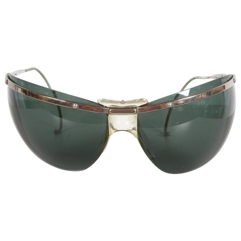 Rare Sport Wraparound 1960s Vintage Sunglasses by Sol-Amor France, Green Lenses For Sale