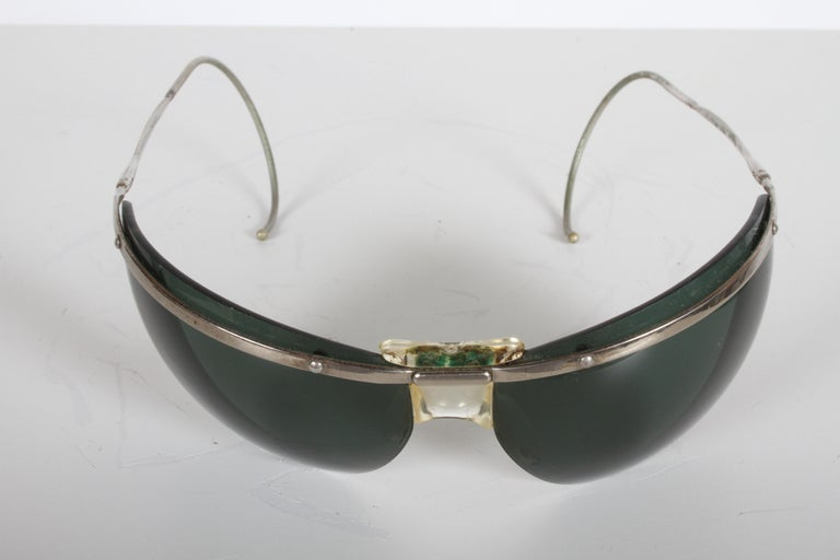 Rare Sport Wraparound 1960s Vintage Sunglasses by Sol-Amor France, Green Lenses For Sale 4