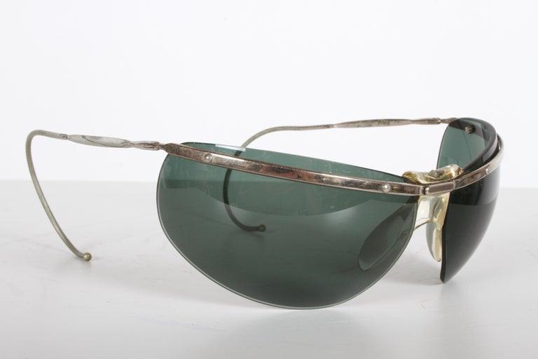 Rare Sport Wraparound 1960s Vintage Sunglasses by Sol-Amor France, Green Lenses For Sale 5