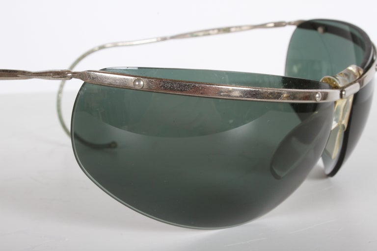 Space Age Rare Sport Wraparound 1960s Vintage Sunglasses by Sol-Amor France, Green Lenses For Sale