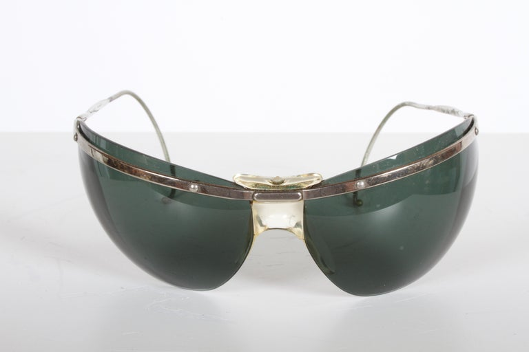 French Rare Sport Wraparound 1960s Vintage Sunglasses by Sol-Amor France, Green Lenses For Sale