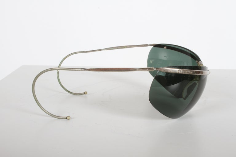 Rare Sport Wraparound 1960s Vintage Sunglasses by Sol-Amor France, Green Lenses In Good Condition For Sale In St. Louis, MO