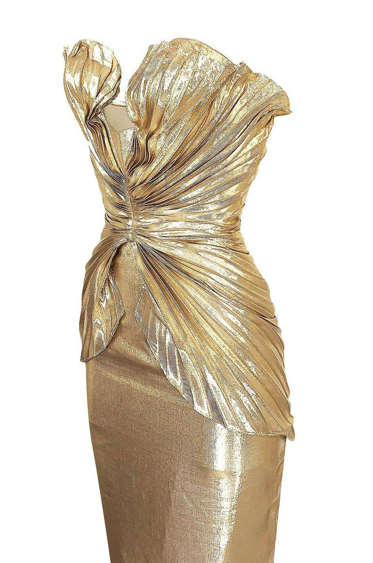 Rare Spring 1985 Thierry Mugler Bombshell Pleated Gold Lurex 'Shell' Dress For Sale 3