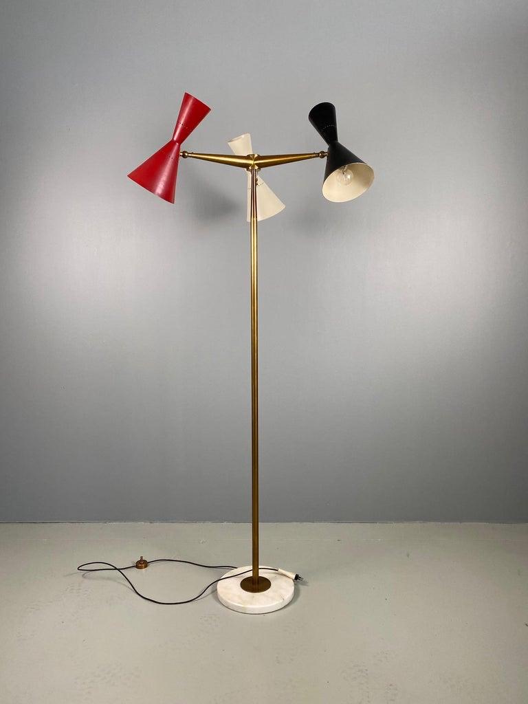 Rare Stilnovo Floor Lamp Three Arms Brass, Italy, 1950s In Good Condition For Sale In Rovereta, SM
