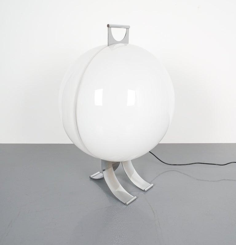 Italian Rare Tetrarch Design Studio Table Light Chrome Lucite for Valenti, circa 1970 For Sale