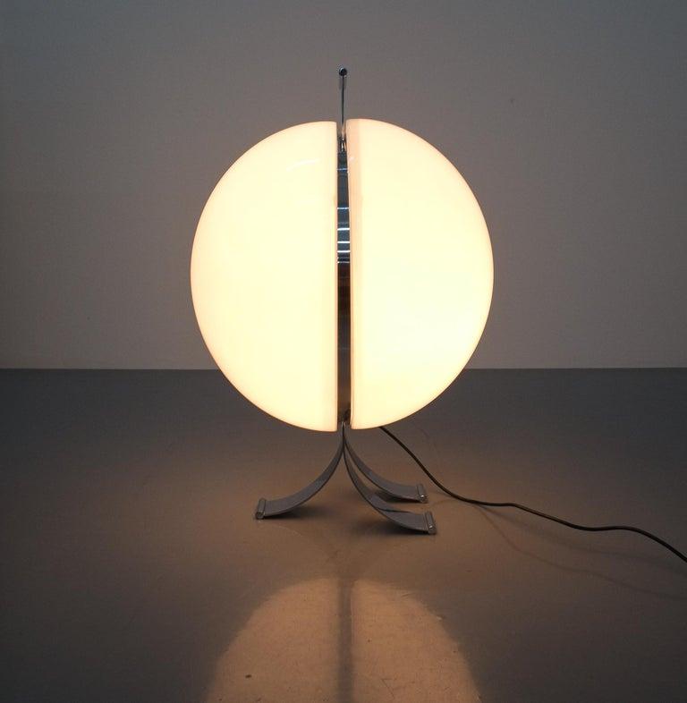 Rare Tetrarch Design Studio Table Light Chrome Lucite for Valenti, circa 1970 In Good Condition For Sale In Vienna, AT