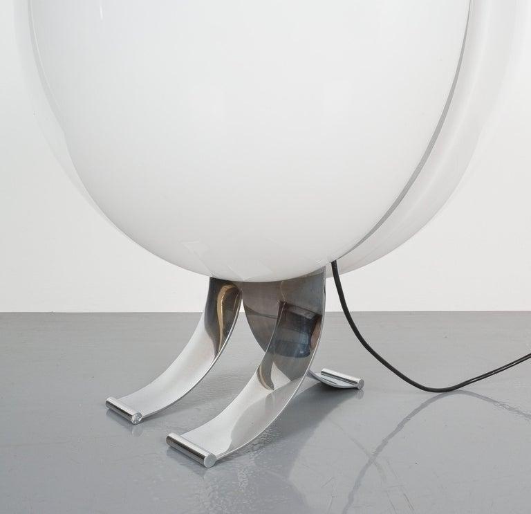 Rare Tetrarch Design Studio Table Light Chrome Lucite for Valenti, circa 1970 For Sale 2