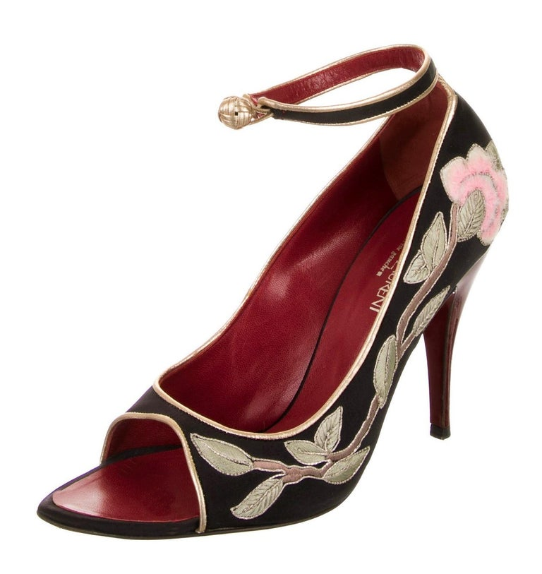 Rare Tom Ford for Yves Saint Laurent YSL Lotus Heels 2004 Pumps Sz 40 In Good Condition For Sale In Leesburg, VA
