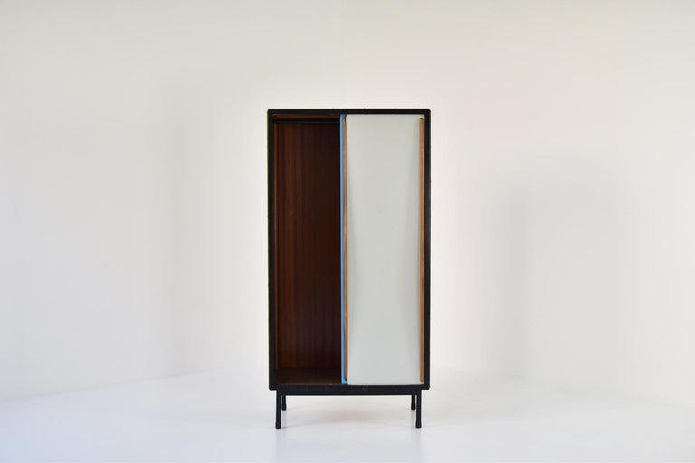 Rare Two-Tone Cabinet by Willy Van Der Meeren for Tubax, Belgium, 1952 In Good Condition For Sale In Antwerp, BE