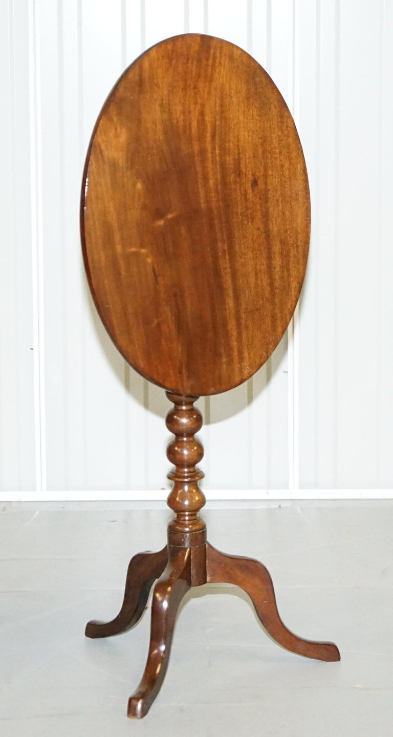 Rare Victorian Bobbin Turned Mahogany Tilt-Top Side End Lamp Wine Tripod Table For Sale 5