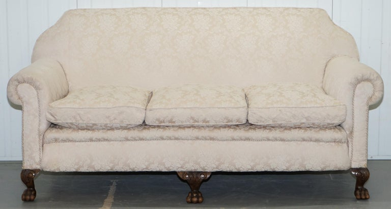 English Rare Victorian Damask Upholstery Walnut Carved Lion Paw Feet Sofa Armchair Suite For Sale