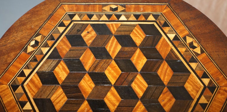 Rare Victorian Mahogany Occasional Table, Geometric Parquetry Inlaid Wood Top In Good Condition For Sale In London, GB
