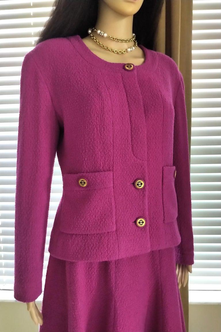 Women's Rare Vintage Chanel 1980's CC Pink Violet Tweed Jacket Skirt Suit FR 40/ US 6 8 For Sale