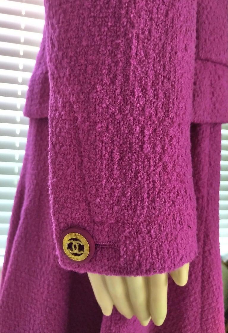Rare Vintage Chanel 1980's CC Pink Violet Tweed Jacket Skirt Suit FR 40/ US 6 8 For Sale 2