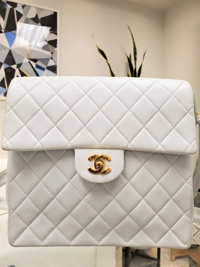 Rare Vintage Chanel CC Quilted White Lambskin Leather Classic Flap Backpack In Good Condition For Sale In Columbia, MO