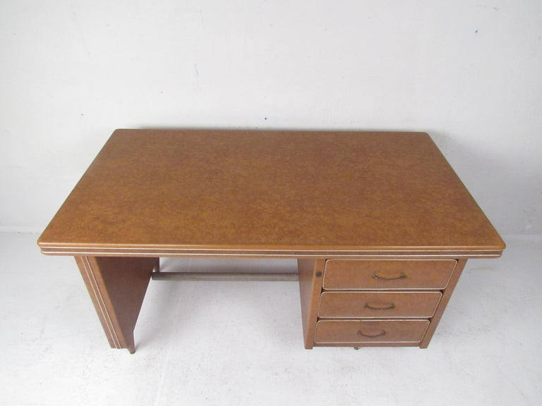 Rare Vintage Modern Italian Desk by Umberto Mascagni In Good Condition For Sale In Brooklyn, NY