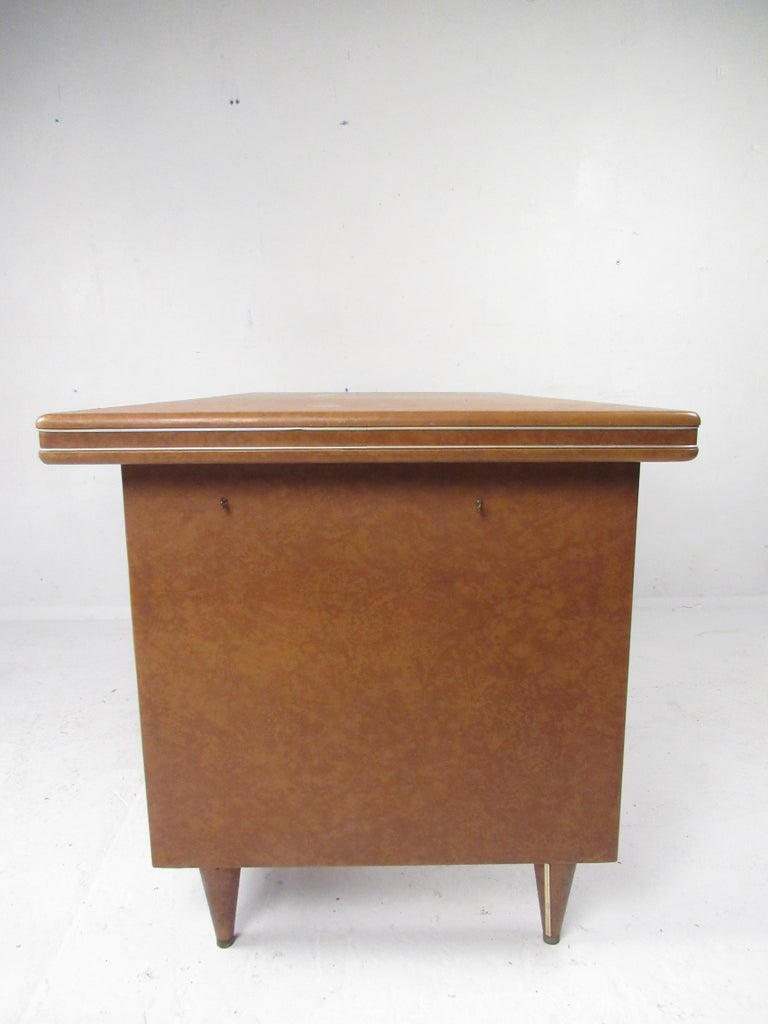 Late 20th Century Rare Vintage Modern Italian Desk by Umberto Mascagni For Sale