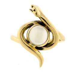 Rare Vintage Moonstone and Coiled Striking 14 Karat Yellow Gold Ring