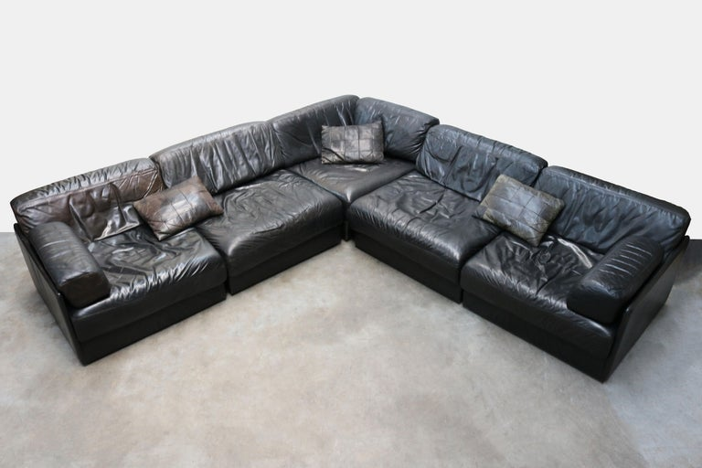 Mid-Century Modern Rare Vintage Swiss De Sede Model DS-76 Black Leather Modular Sofa Daybed DS76 For Sale