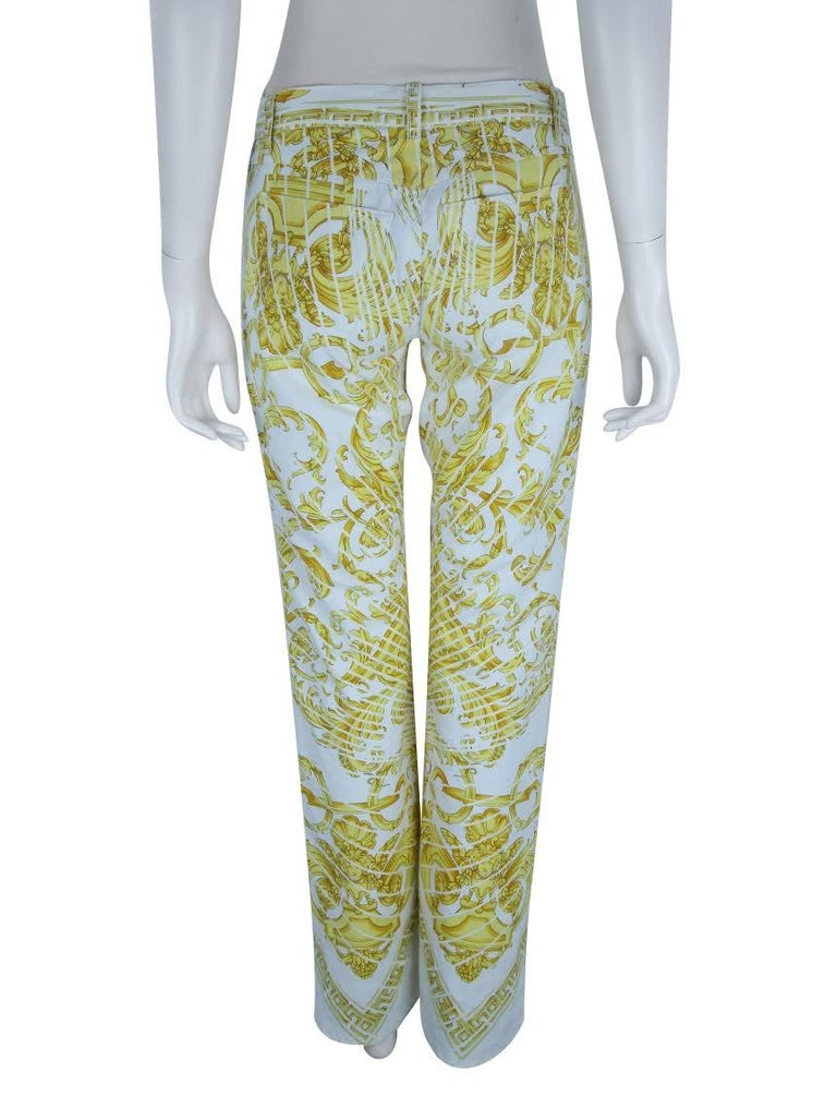 Rare Vintage Versace barocco print jeans  In Excellent Condition For Sale In Montgomery, TX