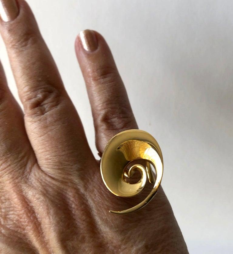 Rare Vivianna Torun for Georg Jensen 18 Karat Gold Danish Modernist Spiral Ring For Sale 2