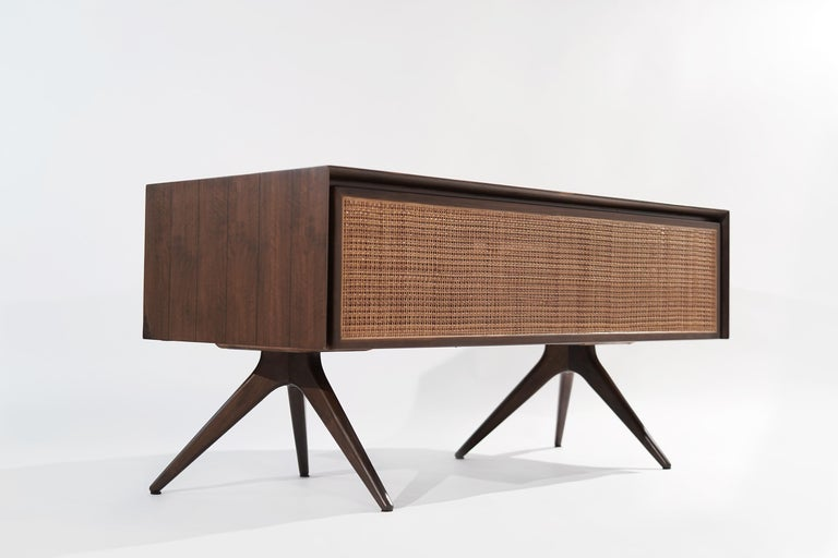 Rare Walnut Desk by Vladimir Kagan for Grosfeld House, circa 1950s For Sale 4